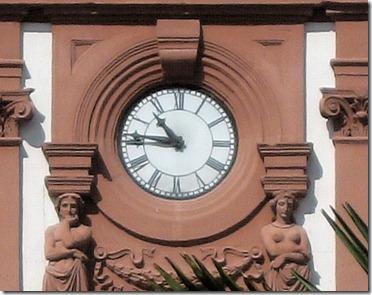 Uhr an der ´Alten Münze` Speyer